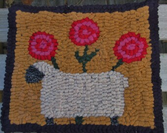 Beginner SHEEP WITH POSIES Primitive  Rug Hooking Kit with Hook