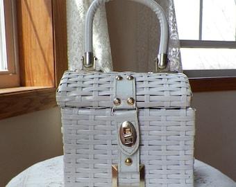 Adorable Vintage Woven, White Wicker Basket Style Purse / Handbag / Pocketbook, Summer / Summertime, Wedding, Home Decor, Cube, Square