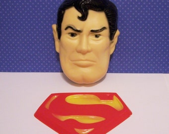 Wilton SupermanFace and Sheild Cake Topper Vintage 1977 Collectible