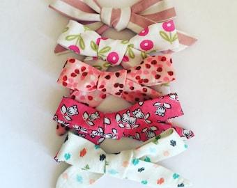 5 school girl bows (nylon elastic/alligator clip)