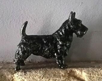 Miniature cast lead Scottie Dog / vintage lead animals