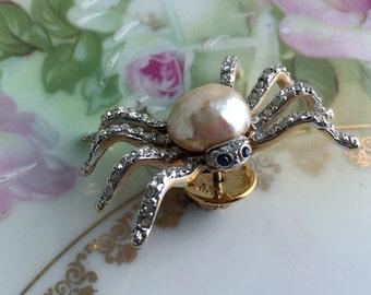 Vintage CAROLEE Crystal Rhinestone Pearl Spider Bug Pin Brooch