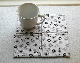 black n white flowers set of mug rugs