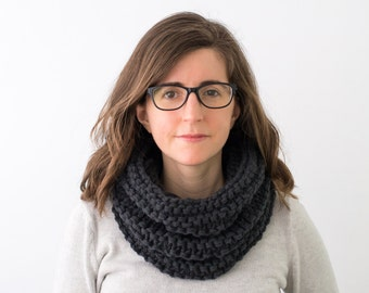 Chunky Knit Cowl, Hand Knitted Wool Scarf Neckwarmer - Galax Cowl