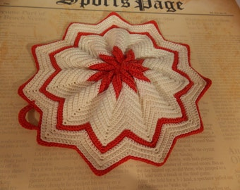 Vintage Red and Cream Doily, Pointed Edge Vintage Doily