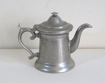 Wilton Pewter Teapot or Coffee Pot, Tavern Style Server, Columbia, PA