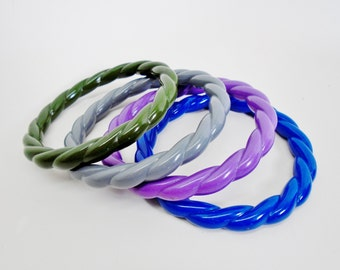 Vintage Lucite Twisted Bangle Bracelets Purple Green Gray Blue Set Collections Lot Cuff Retro Chic Mod Art Deco Modern Runway Statement