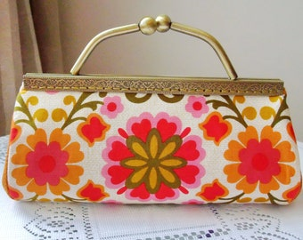 SALE - Large Clutch Purse with chain (L-165) R1