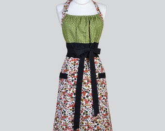 Cute Kitsch Retro Aprons , Full Chef Vintage Kitchen Womans Apron in Green Black Red Cherry Blackberry Handmade Hostess Cooking Womens Apron