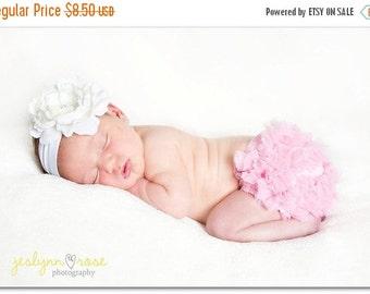 Sale Pink Bloomer. Bloomers. Ruffle Diaper Cover, Baby Girl bloomer. Newborn bloomers, Cake Smash, Diaper cover, Baby girl bloomers.Ready to