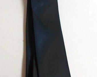 1950s Vanguard skinny tie deep black with blue diamonds
