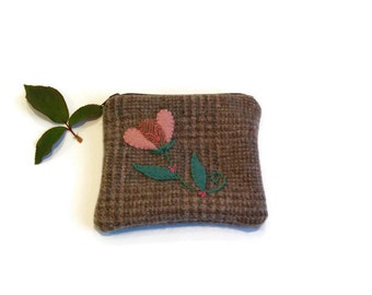 Zippered bag pouch brown pink green embroidered appliqued flower