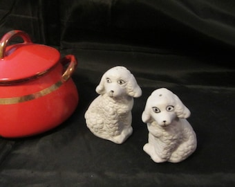Dog Salt and Pepper Shakers Made by Artmark Mid Century Shakers, Dog Serving Set, Animal Salt and Pepper Made in Taiwan Set, Pet S & P