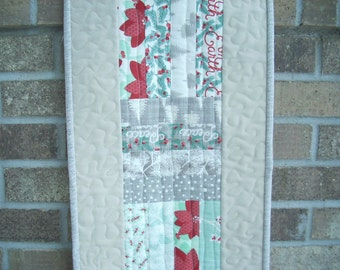 winterberry with linen tablerunner - FREE SHIPPING