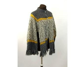 1950s wool sweater cape poncho fringe gray yellow nubby knit Jean Castle Size M/L