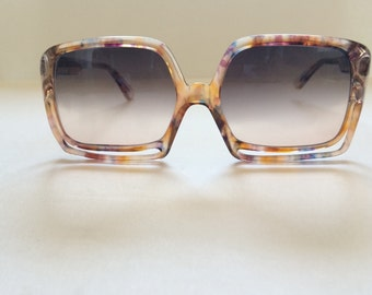 70's -80's vintage babe  sunglasses