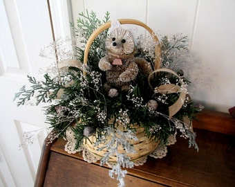 Christmas Fox Floral Arrangement / Holiday Fox Floral Arrangement / Christmas Decor Floral / Winter Fox Floral / Fox Floral In Basket