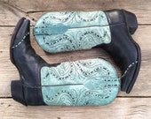 Vintage pale turquoise cowgirl boot size 7 B (fits up to 7.5), pale turquoise and black leather Tony Lama cowboy cowgirl boho Western boot