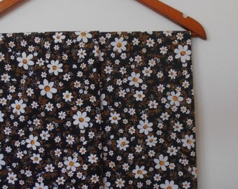daisy...pair of vintage pillowcases