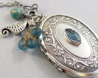 Ocean Sapphire,Locket,Antique Locket,Silver Locket,Sapphire Stone,Rhinestone,Vintage,BlueStone,Sapphire Birthstone Valleygirldesigns.