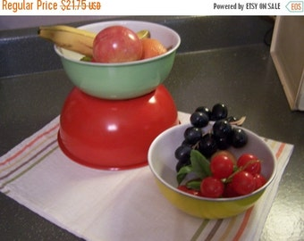Valentines SALE Vintage Metal Fruit Bowls, Mixing Bowls (3) Red, Green, Yellow, Country Farmhouse Kitchen