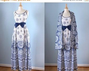 SALE 1970s cotton maxi dress / 70s blue floral print maxi dress with shawl /