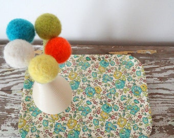 Felt flowers - Pom pom flowers - Dandelion, Billy button - Wool felt balls - Kitchen, office decor - Orange Turquoise Floral Arrangement
