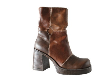 90s vintage brown boots / brown patchwork, platform boots, zip boots, faux leather, square toes, grunge boots, size 7.5