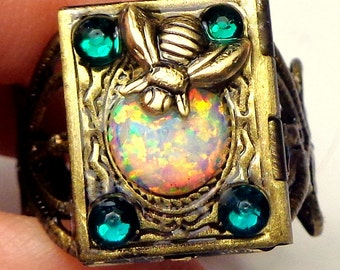 SALE, Honey Bee,Opal Locket Ring,Gothic Jewellry,Edwardian Fantasy,Neo Victorian,Gothic Jewellry,Vintage Style,Photo Locket, OOAK
