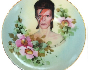 David Bowie Portrait Plate - Altered Vintage Plate 6.15""