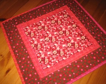 Valentines Day Table Topper, Pink and Red Hearts, Brown Chocolate Red Pink, Quilted Table Topper, Hanging Hearts, Valentine Table Mat