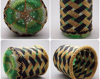 Basket weave pattern - beaded basket - collectible basket - bead art - green basket - beadweaving - seed bead art - beadwoven basket