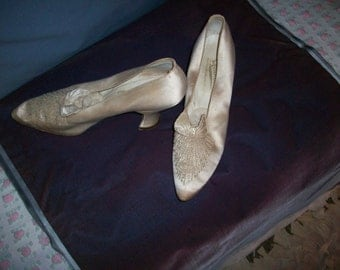 Antique ivory silk gorgeous shoes wedding 1900