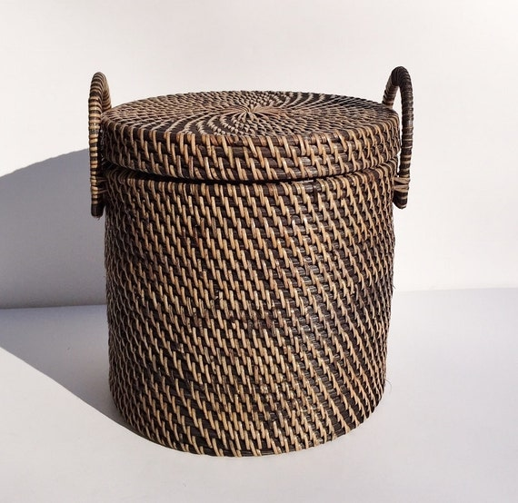Shop laundry hampers & baskets in the laundry organization section of tommudselb.tk Find quality laundry hampers & baskets online or in store.