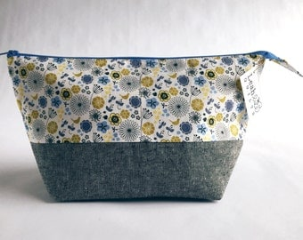 Floral Project Bag, Gifts for Knitters, Knitting Bag, Crochet Bag, Personalized Zipper Pouch, WIP Bag Travel Knitting Case