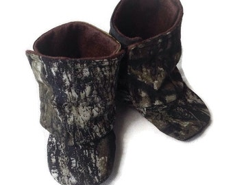 Baby Mossy Oak fabric Boots / Mossy Oak fabric Baby boots / Camo Baby Boots / Newborn Boots / Infant Boots / Toddler Boots