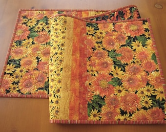 Handmade Quilted Table Runner with Flowers, Floral Table Runner, Home Decor, Sunflowers, Summer Flowers, Table Decor