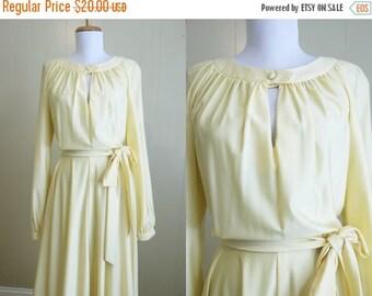 20% Off FALL SALE Yellow Dress Vintage 70s Disco Secretary Keyhole Belt Medium