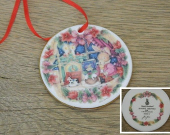 "Royal Doulton Christmas Ornament - ""Season's Greetings"" - Artist Signed Jane James - 1995"