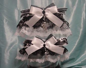 Cat Lovers Black and White Garter Set
