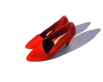 Red suede asymmetrical pumps 1990s 90s VINTAGE SHOES