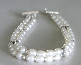Wedding Jewelry / Freshwater Pearl Bridal Bracelet / Pearl Accessories / Gift for Her / Sterling Silver Pearl Bracelet / Pearl Bangle