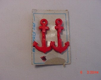 Vintage Plastic  Red Anchor Buckles Or ?    16 - 435