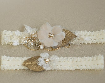 Gold Wedding garter, Wedding garter set, Bridal garter, lace wedding garter, Lace garter set, Bridal Garter set,  Lace Garter, Floral garter