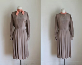 50% OFF...last call // vintage 1980s silk dress - NAPOLEON taupe & salmon day dress / M