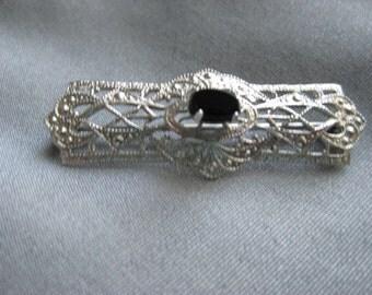 Vintage Sterling Silver Bar Pin / Deep Blue Stone