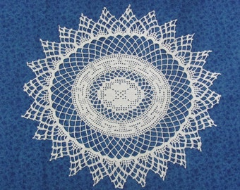 Vintage 17 Inch Oval Hand Crochet White Cotton Heart Center Hand Crafted Doily