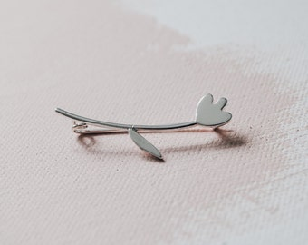Minimalist Tulip brooch made of sterling silver. Flower, Spring, Rose, Nature, Garden, Botanical jewelry.