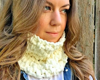 Back to School SALE The Softest Cowl In The World--Women's Cowl--Women's Scarf--Crochet Cowl--Cowl Scarf--