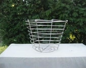 Vintage Primitive Round Wire Egg/Fruit Basket Silver Metal Farm House Decor--#DRG